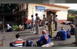 <p>Kannur station protest</p>