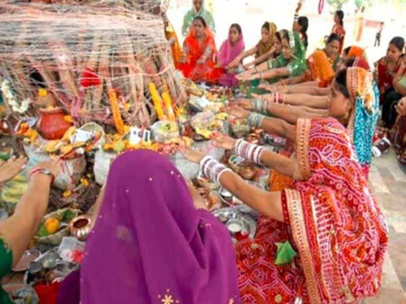 Today is Vat Savitri fast, learn worship method