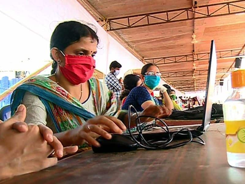 more than two hundred people from karnataka will travel to kasaragod to write exam