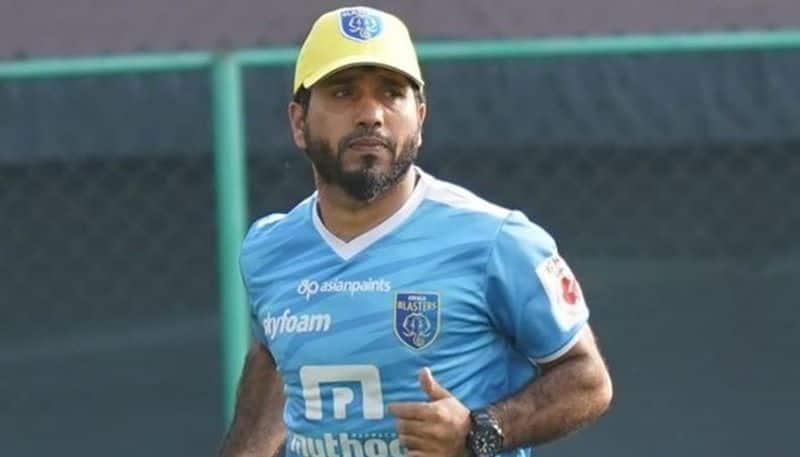 Ishfaq Ahmed to continue in Blasters