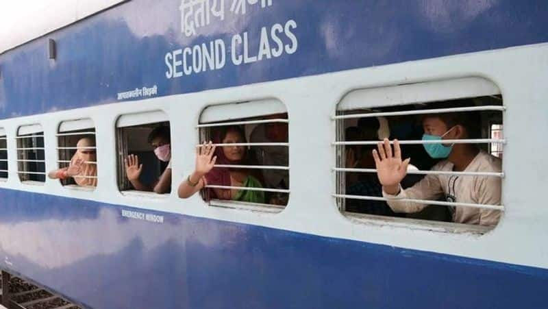Railways appeal to pregnant women, old-aged people to avoid travelling by shramik trains