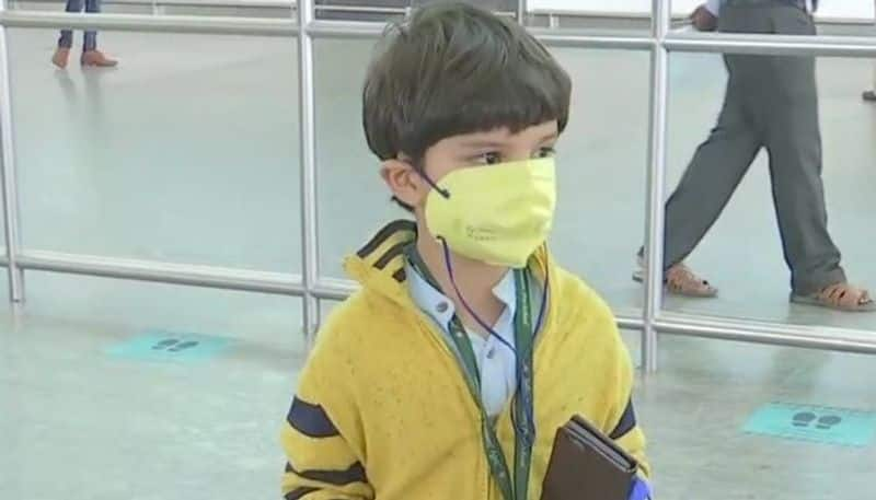 5 years old boy travel alone flight operation started in india