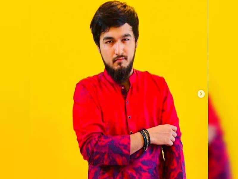 Bangladesi Singer Mainul Ahsan Noble is in extramarital affairs and he allegedly consumed drug on a tourist spot BRD