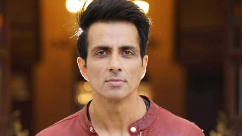 sonu sood gives great reply to a mother after helping her