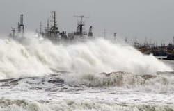 <p>रिपोर्ट में कहा गया कि अगर ऐसा कोई तूफ़ान आया होता, जिसमें एक लाख लोगों की जान गई होती, तो अंग्रेजों के पास भी इसका कोई रिकॉर्ड नहीं है। ऐसे में इस तूफ़ान के दावे खोखले हैं।&nbsp;</p>