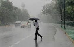 <p>निसर्ग तूफान के खतरे को देखते हुए&nbsp;मध्य प्रदेश सरकार और सभी जिले के प्रशासन ने लोगों से अपने घरों में रहने की अपील की है।</p>