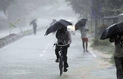 <p><br /> मौसम विभाग के एक अधिकारी ने बताया कि 'निसर्ग' गुरुवार सुबह सात बजे से 11 बजे के बीच महाराष्ट्र से खंडवा, खरगोन और बुरहानपुर के रास्ते मध्यप्रदेश में प्रवेश कर सकता है। हालांकि, इसके आने से पहले ही राज्य के कुछ स्थानों पर बारिश हो चुकी है।</p>