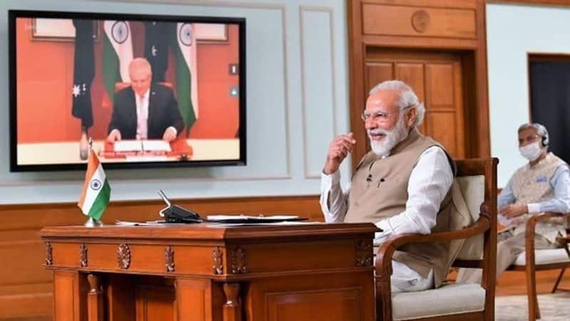 Australian Prime Minister Scott Morrison misses Modi hug