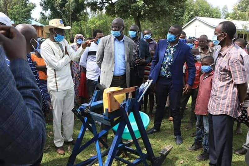 Kenya 9 year old boy got presidential award after build wooden hand wash machine