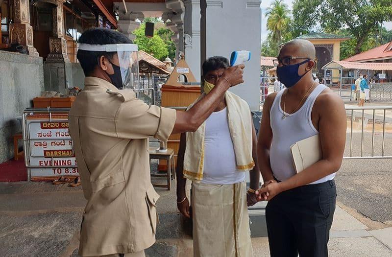 ಬಂದ ಭಕ್ತರಿಗೆ ಥರ್ಮಲ್ ಟೆಸ್ಟಿಂಗ್ ಕೂಡಾ ನಡೆಸಲಾಗಿದೆ
