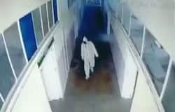 <p>covid patient escaped by wearig ppe</p>