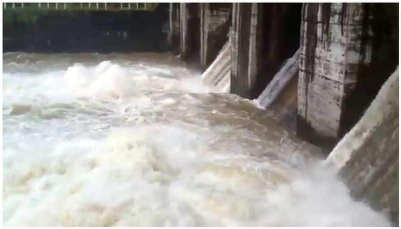 55800 cusec water to Hipparagi Dam in Bagalkot District Due to Heavy Rain