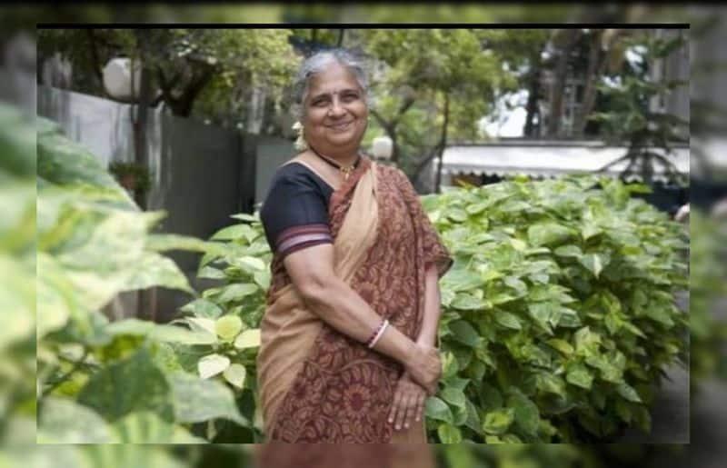 ಸುಧಾ ಅವರು ಬೆಂಗಳೂರಿನ ಟಾಟಾ ಇನ್ಸ್ಟಿ ಟ್ಯೂಟ್' ನಲ್ಲಿ ಎಮ್.ಇ (ಕಂಪ್ಯೂಟರ್ ಸೈನ್ಸ್) ಪದವಿ ಗಳಿಸಿದರು. ಚಿನ್ನದ ಪದಕ ಗಳಿಸಿದ ಏಕೈಕ ಮಹಿಳಾ ವಿದ್ಯಾರ್ಥಿನಿ.