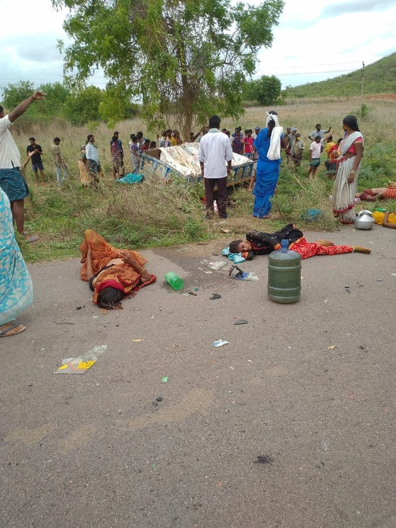 five dead in a road accident in krishna district