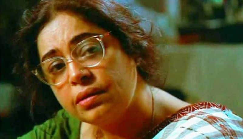Kiran Kher, wife of Anupam Kher, played the lead role of Banalata in the 2000 film Bariwali.  For which he also received a national award. & Nbsp; </p>