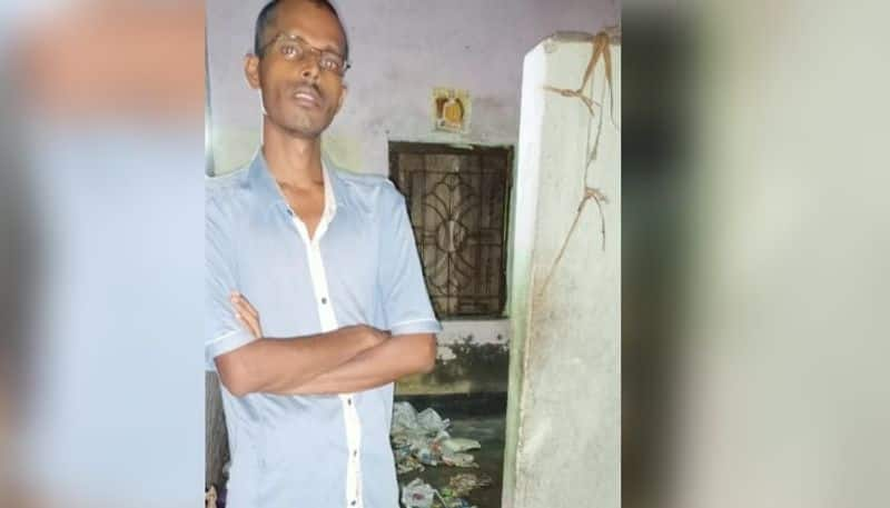 Haridevpur Thanas police have arrested the man on charges of torturing his father RT