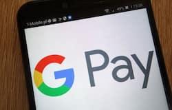 <p>कानपुर में एक घूसखोर दरोगा वसूली करने के मामले में पकड़ा गया है। दरोगा पर आरोप है कि उसने कार्रवाई का डर दिखाकर एक महिला से अपने साथी के एकाउंट में 50 हजार रुपए डलवा लिए। महिला ने गूगल-पे से पैसा तो ट्रांसफर कर दिया, लेकिन इसके बाद सीधे आईजी की जनसुनवाई में शिकायत कर दी</p>