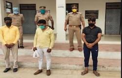 <p><strong>आगरा (Uttar Pradesh) ।</strong> लखनऊ-आगरा एक्सप्रेसवे से दो कार में पकड़ी गईं दो महिला सहित पांच लोग मानव तस्कर निकलें। जिनके तार नेपाल के गैंग से जुड़े हुए हैं, जो फिल्मी तरीके से काम करते थे। पुलिस पूछताछ में ये बात सामने आया इस गैंग की सरगना नेपाल की ही एक हॉस्पिटल संचालिका है। जिसे ये सभी लोग नहीं जानते हैं। यह गैंग बच्चा पैदा कराने के लिए पैसा देता है और उसे खरीदकर नेपाल बेच देता है। बड़ी बात तो इस गैंग की डिमांड लड़की पर ज्यादा होती है। इसके लिए संबंधित बच्चे को पेट में पालने वाली मां को ये तीन चरण में पैसे भी देते है, जिसके बाद ये उस महिला की कोख का सौदा कर उसे नेपाल की हॉस्पिटल संचालिका के कहने पर संबंधित स्थान पर पहुंचा देती थी, फिलहाल पुलिस ने गिरफ्तार सभी आरोपियों को जेल भेज दिया है।&nbsp;</p>