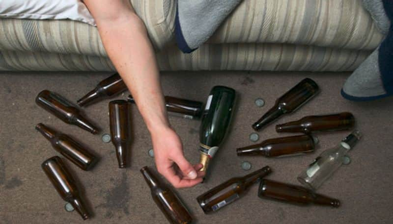 Chinese Man drinks 10 beers and holds urine for 18 hours, ruptures his bladder