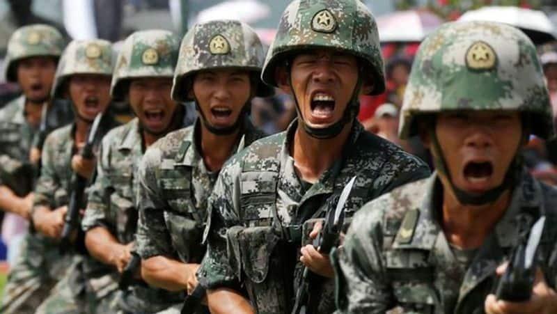 US spy plane enters Chinese border Chinese army panics .