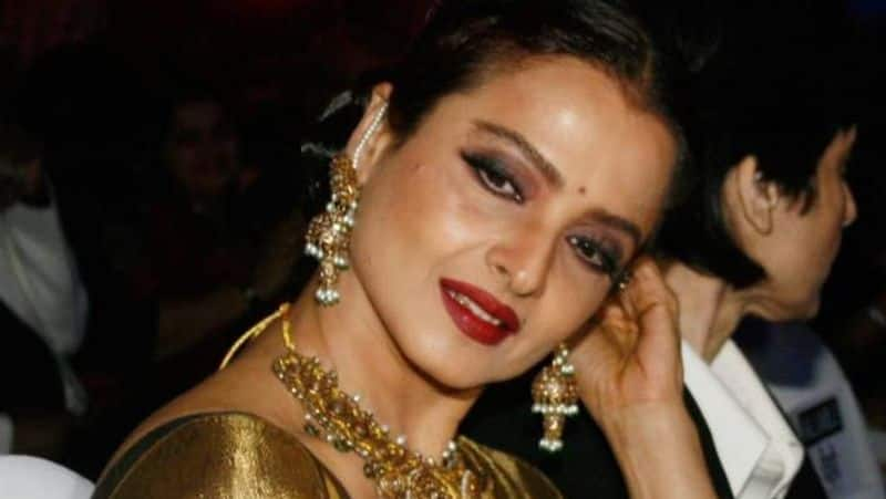 Bollywood Actress Rekha bungalow in Mumbai sealed by BMC after security guard found coronavirus COVID-19 positive