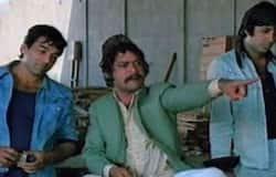 <p>2020 में जगदीप से पहले बॉलीवुड के कई सितारे दुनिया को अलविदा कह चुके हैं। इनमें इरफान खान, ऋषि कपूर, संगीतकार वाजिद खान और कोरियोग्राफर सरोज खान जैसे बड़े नाम शामिल हैं। वहीं एक्टर सुशांत सिंह राजपूत ने भी पिछले महीने आत्महत्या की थी।</p>