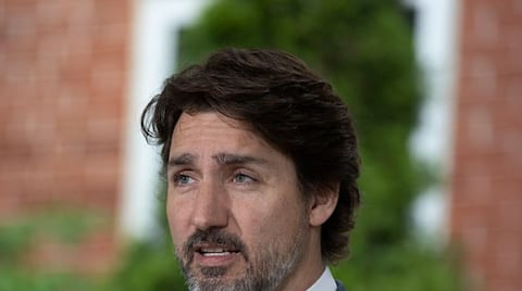 Early projections show Justin Trudeau winning Canada elections gcw