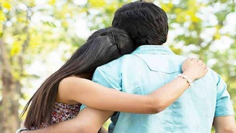 love couple commits suicide in hyderabad hotel room