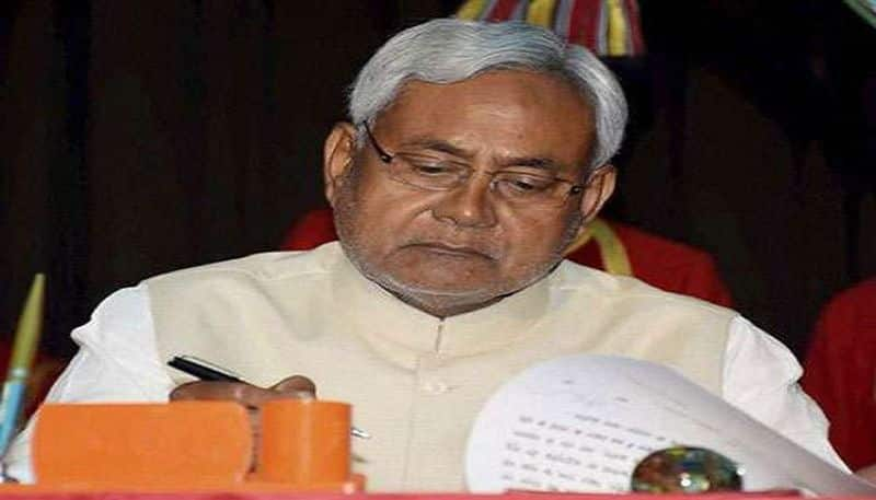 Nitish Kumar played big bets before the election, opposition became angry