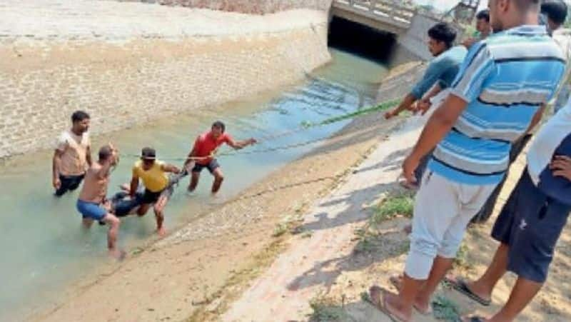 youth jumps into kakatiya canal for suicide attempt in karimnagar - bsb