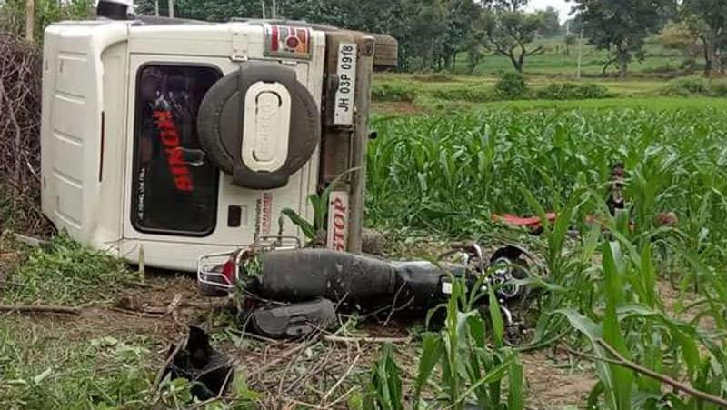 Jharkhand Crime, A bike riding mother-son crushed by a bolero in revenge, murder in Palamu kpa