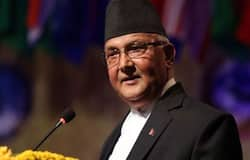 <p>चीन की तरह ही इन दिनों भारत और नेपाल के रिश्तों में भी दरार आई है। इसी का फायदा चीन उठाना चाह रहा है। उसने हाल ही में नेपाल में कई परियोजनाओं का काम शुरू किया है। इससे वह नेपाल में अपनी पकड़ मजबूत करने की कोशिश कर रहा है।</p>