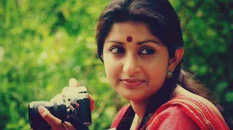 Arasu fame Meera Jasmine come back in Jayaram Sathyan anthikad film vcs