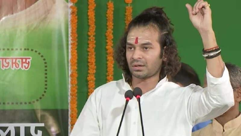 Tej Pratap arrives in Ranchi for 'boon' of safe seat, Jharkhand government made FIR