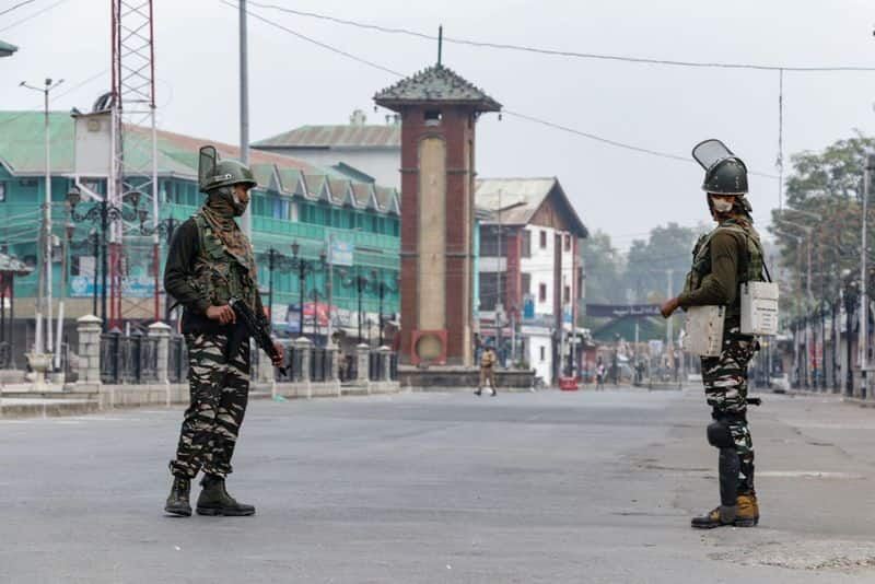Security forces recover bodies of two local militants from Jammu and Kashmir-snj