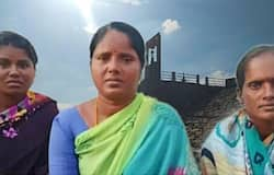 <p>to save four youth from drowning, there Tamilnadu women removed their sarees</p>