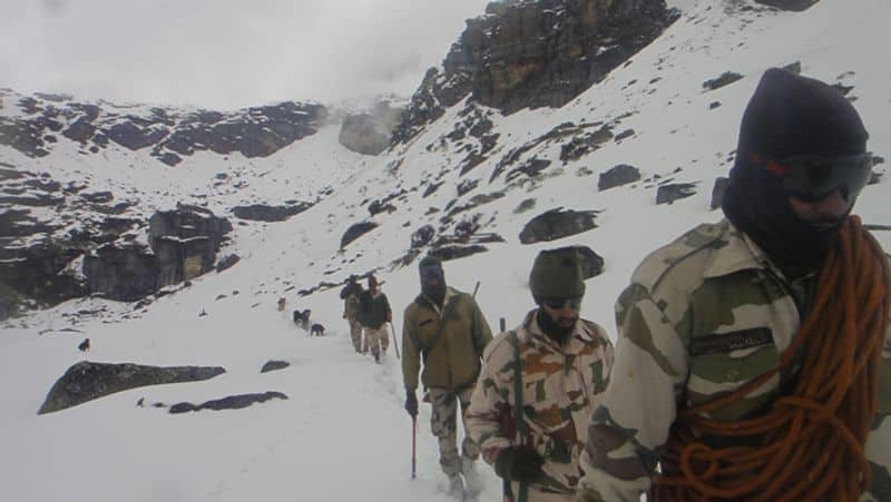 amid of ladakh tension itbp chief  spends 6 days on border with china bam