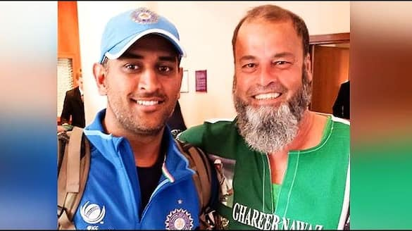 ICC T20 World Cup 2021, IND vs PAK: Chacha Chicago dons unique jersey, has special message for MS Dhoni (WATCH)-ayh