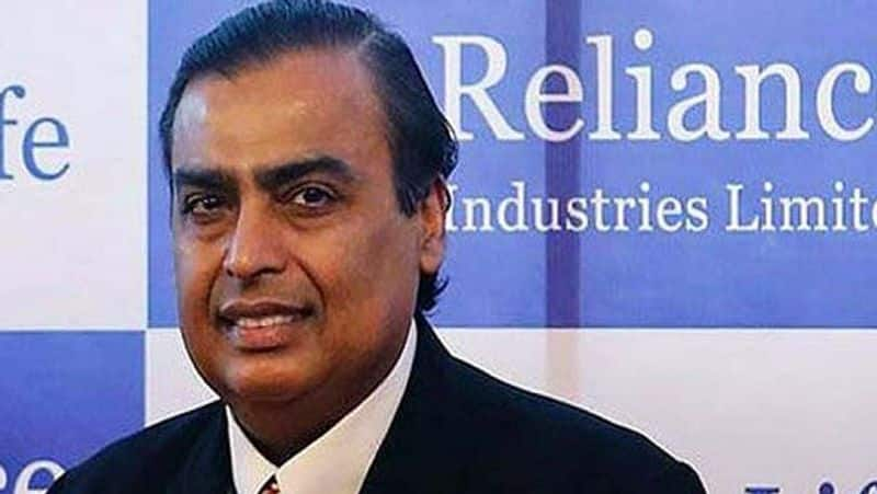 reliance in talks to buy online furniture retail
