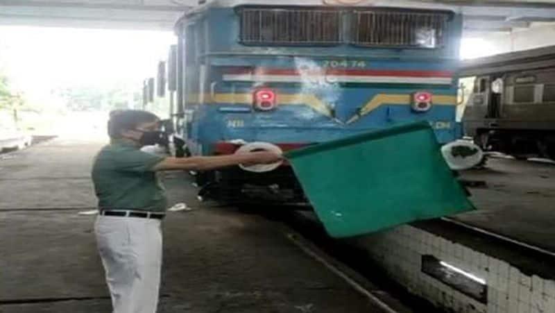 Innovative ideas, waste  railway engine started running with jugaad kpa