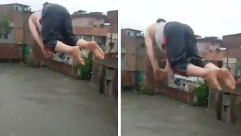 A muslim man jumped from the 4-storey building into the pond, people said that this is Pakistani kpa