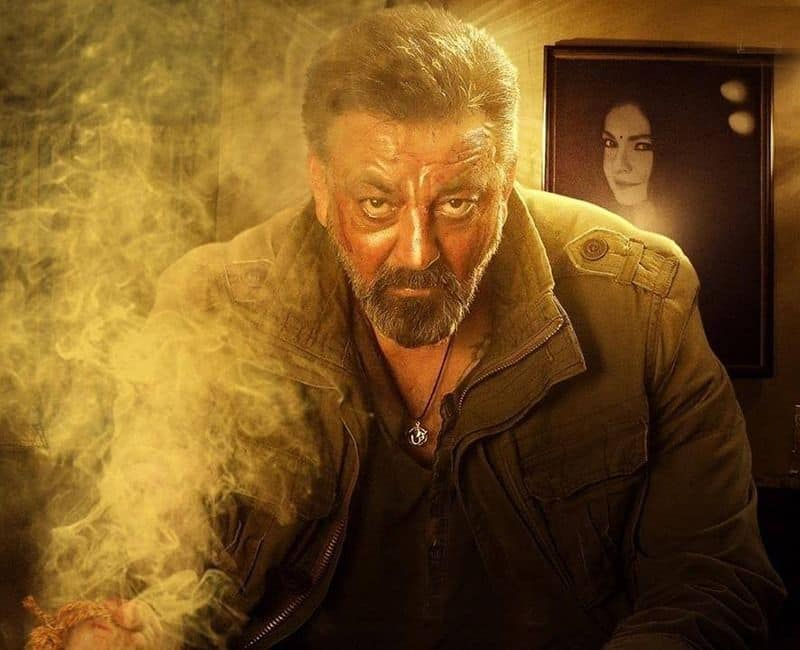 What is the review rating of Sadak 2 according to the box office