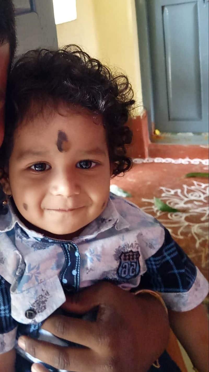 Karnataka 1 year old dies after swallowing TV remote battery -ymn