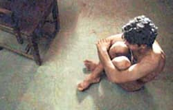 <p><strong>ಅಮೀರ್ ಖಾನ್ (ಪಿಕೆ) -</strong><br /> ಬಾಲಿವುಡ್ ನ ಮಿಸ್ಟರ್ ಪರ್ಫೆಕ್ಷನಿಸ್ಟ್ ಆಮೀರ್ ಖಾನ್ &nbsp;ವರ್ಷಕ್ಕೆ ಒಂದು ಸಿನಿಮಾ ಮಾತ್ರ ಬಿಡುಗಡೆ ಮಾಡುತ್ತಾರೆ. ಸಿನಿಮಾಕ್ಕಾಗಿ ಫುಲ್ ಹೋಮ್ವರ್ಕ್ ಮಾಡುವ ನಟ &nbsp;ತನ್ನ ಲುಕ್ ಮತ್ತು ಚಲನಚಿತ್ರಗಳ ಮೇಲೆ ಪ್ರಯೋಗ ಮಾಡುತ್ತಾರೆ. ತನ್ನ 2014 ರ ಬಿಡುಗಡೆಯಾದ 'ಪಿಕೆ' ಸಿನಿಮಾದಲ್ಲಿ &nbsp;ಆಮೀರ್ ರೇಡಿಯೊವನ್ನು ಮಾತ್ರ ಹಿಡಿದುಕೊಂಡು &nbsp;ನಗ್ನವಾಗಿರುವ ಸೀನ್ ಇದೆ. &nbsp;&nbsp;</p>