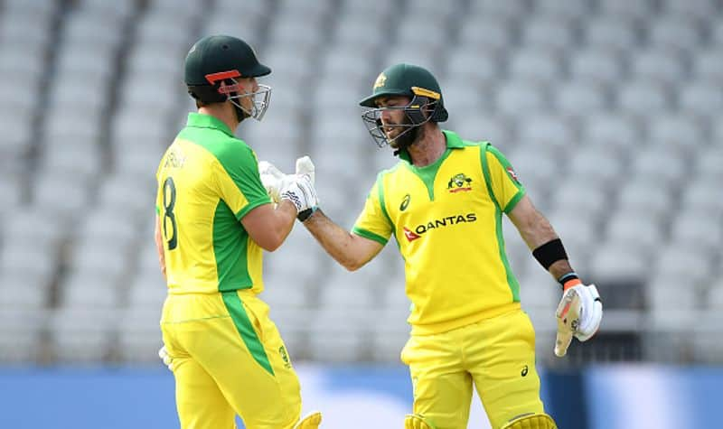 adam gilchrist points out that australia odi team middle order weak