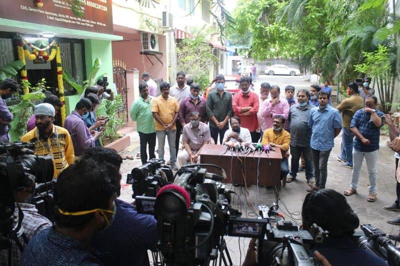 Bharathiraja Open Challenge to tamilnadu theater Owners