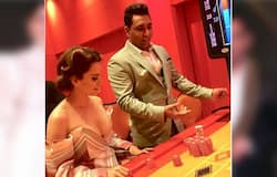 <p>Fazil who runs a casino in Sri Lanka, established a name in Bollywood circles by throwing lavish parties. He can be seen presenting a trophy to Sushmita Sen. Minister Ram Vilas Paswan is also present.</p>
