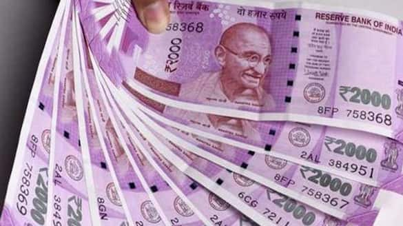 hyderabad car driver stole rs 55 lakhs from jubilee hills
