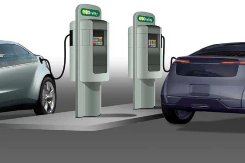 To promote use of electric vehicles, India looks to offer incentives to battery manufacturers