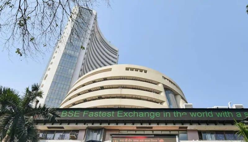 stock gains: Sensex closes with rise of 424 points after RBI announcements